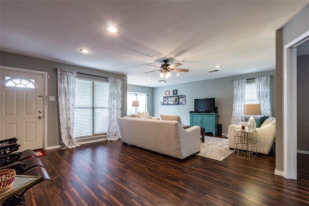 Sold Property | 11327 Lippitt Avenue Dallas, Texas 75218 3