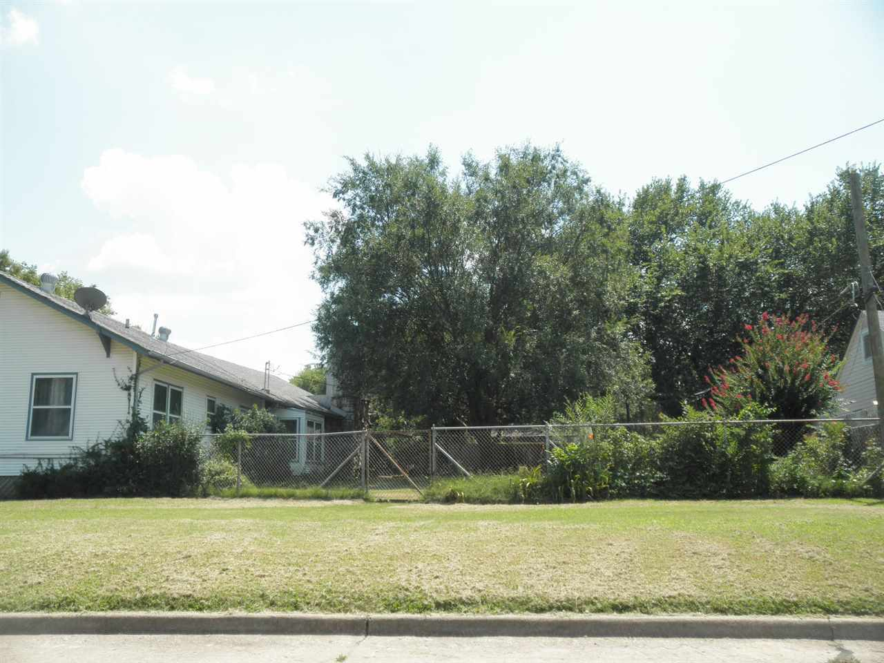 #century21groupone,#homesforsaleponcacity,#poncacityrealestate | 840 N Birch  Ponca City, OK 74601 6