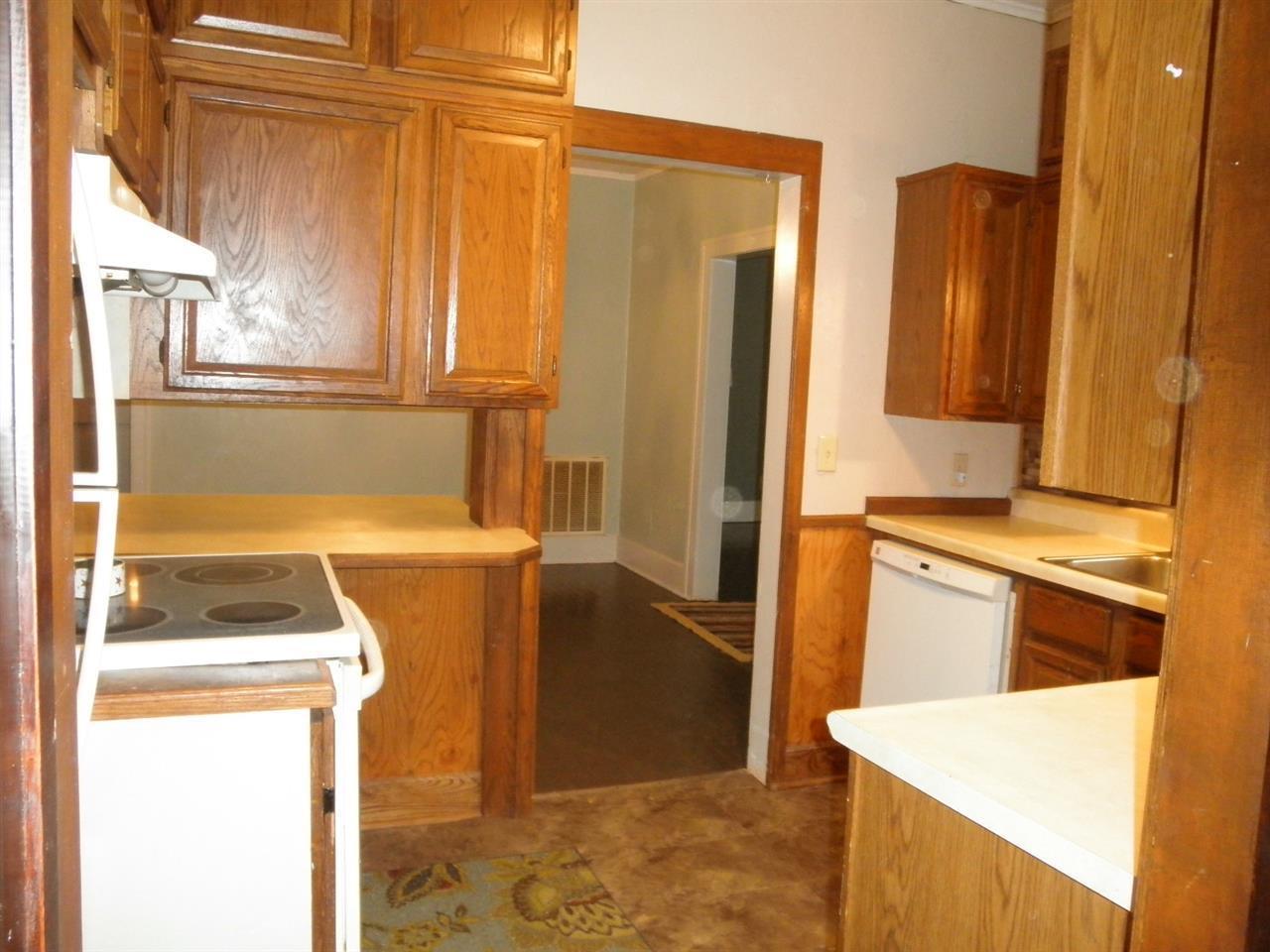 #century21groupone,#homesforsaleponcacity,#poncacityrealestate | 840 N Birch  Ponca City, OK 74601 10