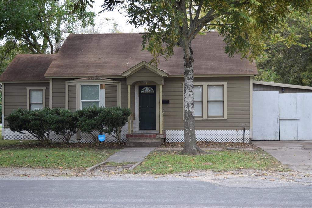 Active | 1501 4th Street Bay City, TX 77414 2