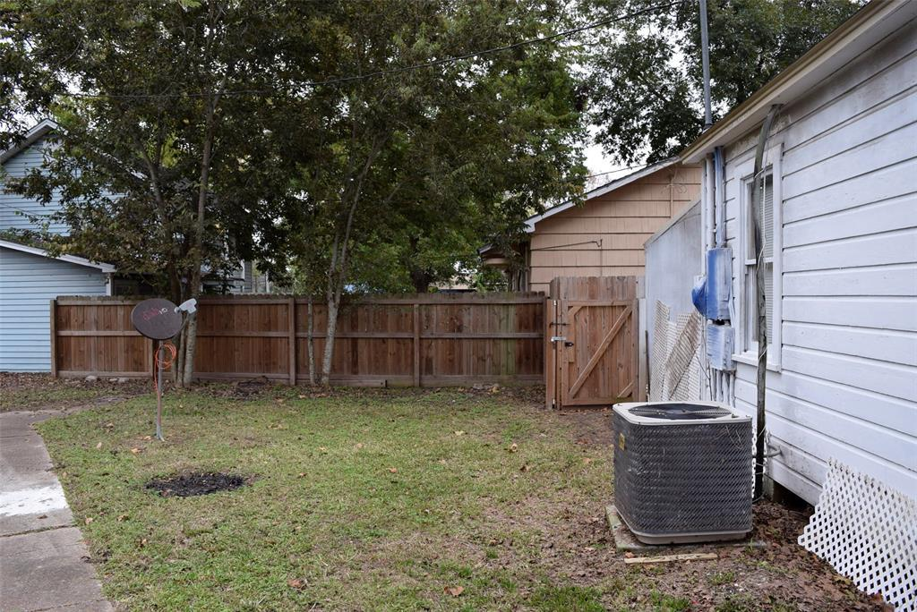 Active | 1501 4th Street Bay City, TX 77414 12