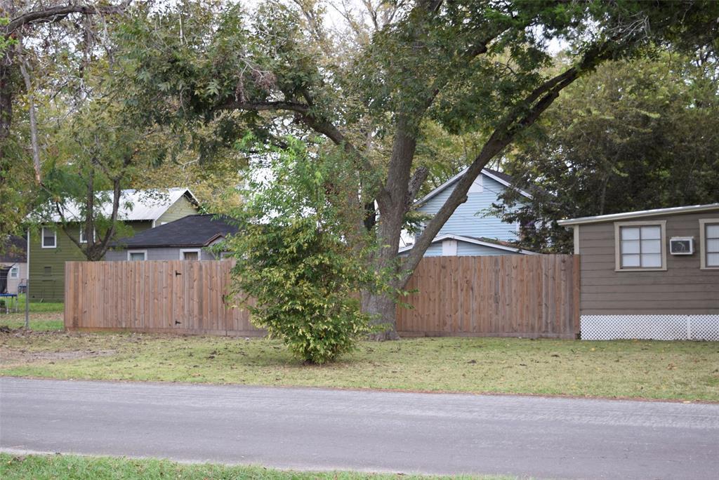 Active | 1501 4th Street Bay City, TX 77414 5