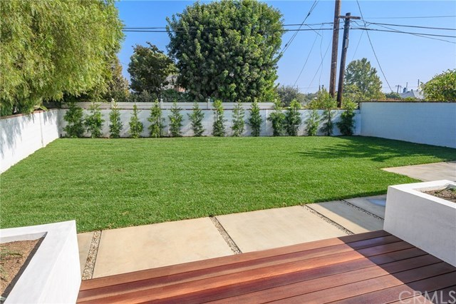 Closed | 7920 Glider  Avenue Los Angeles, CA 90045 15