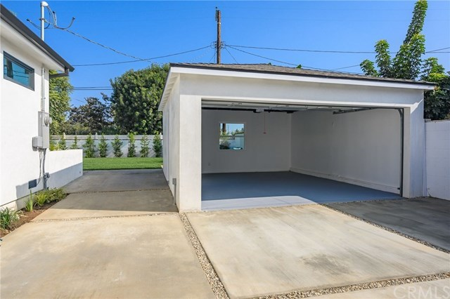 Closed | 7920 Glider  Avenue Los Angeles, CA 90045 28