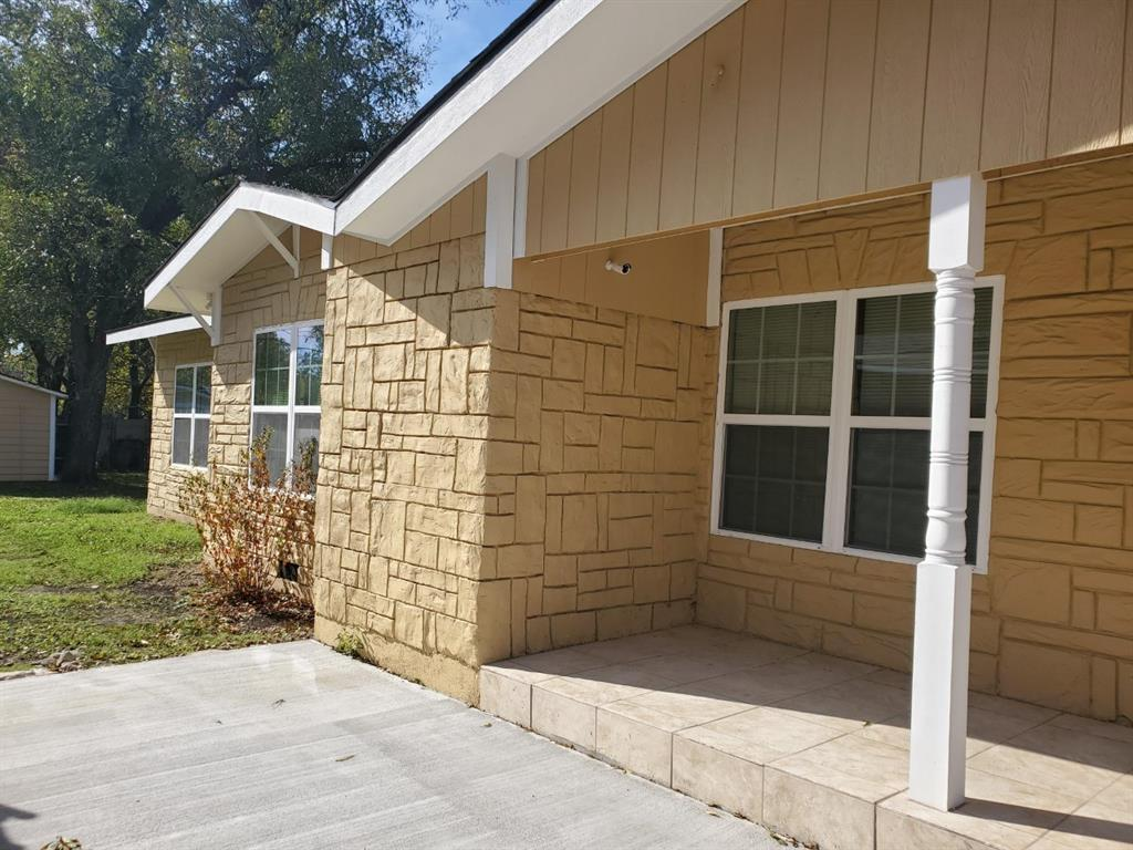 Sold Property | 1029 Woodland Avenue Fort Worth, TX 76110 1