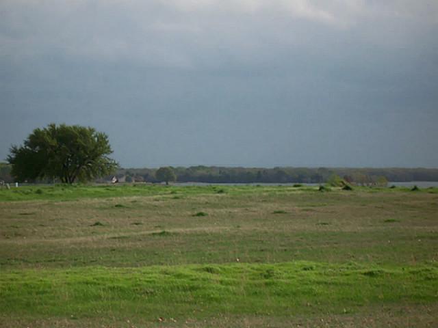 Sold Property   2000 Lake Side  Bonham, Texas 75418 1