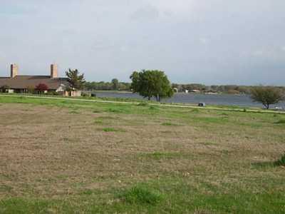 Sold Property | 2000 Lake Side  Bonham, Texas 75418 2
