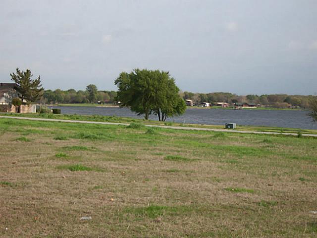 Sold Property   2000 Lake Side  Bonham, Texas 75418 8