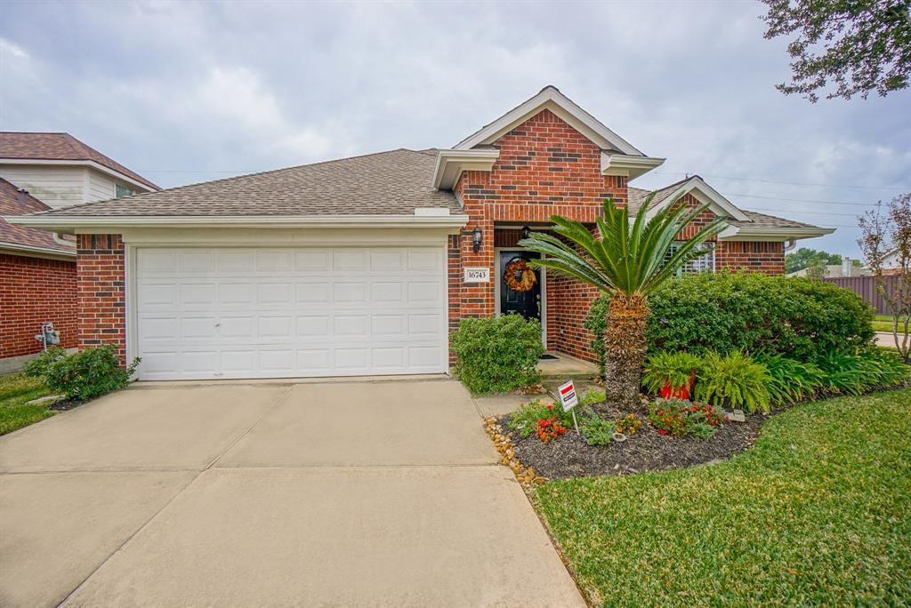 HOUSTON HOME FOR SALE, UNDER $230,000, ONE STORY HOME FOR SALE | 16743 Marston Park Lane Houston, TX 77084 3