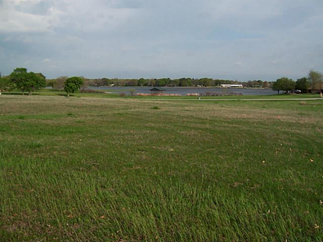 Sold Property | 2110 Lake Side  Bonham, Texas 75418 2