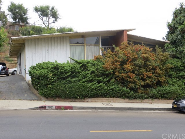 Pending | 4611 Don Lorenzo  Drive Los Angeles, CA 90008 2