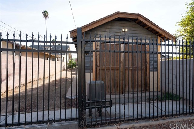 Closed | 2715 Cridge Street  Riverside, CA 92507 24