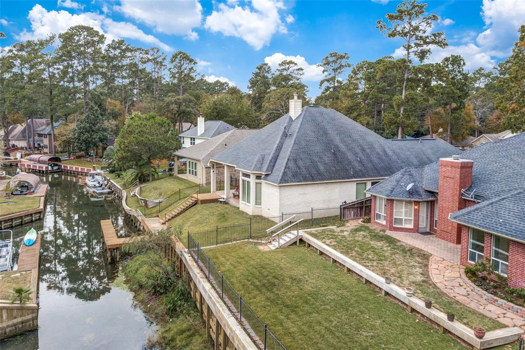 Pending Continue to Show | 12311 Browning  Drive Montgomery, TX 77356 1