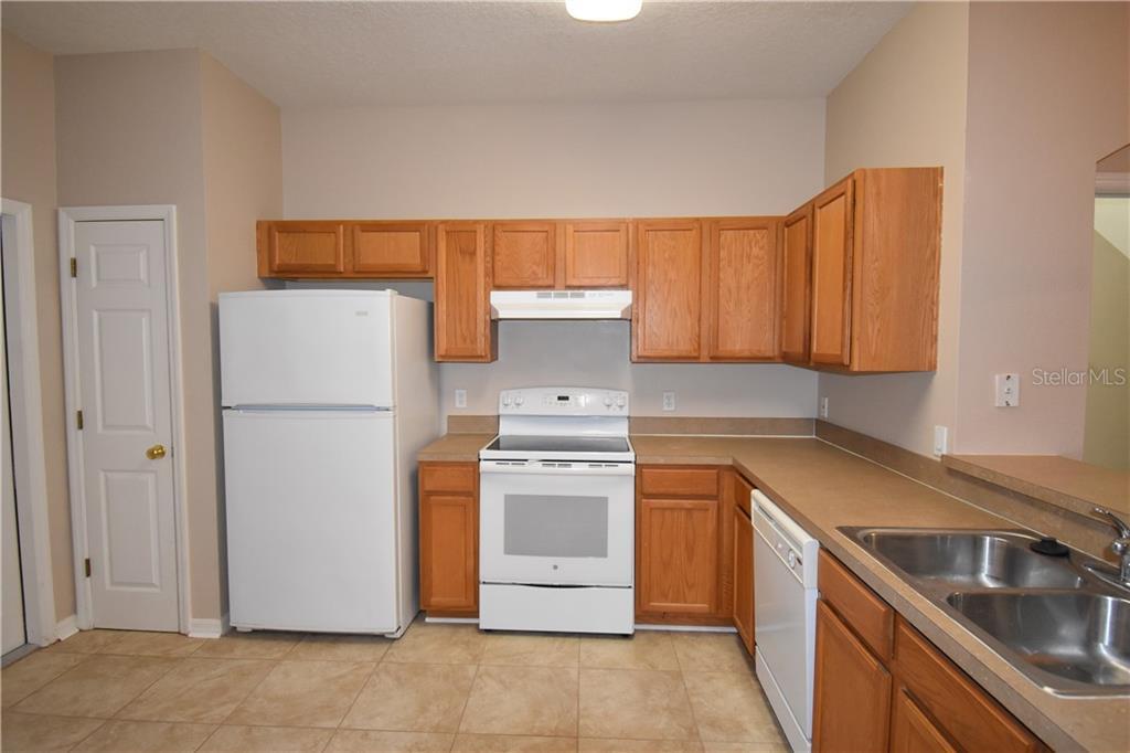 Sold Property | 4238 BISMARCK PALM DRIVE TAMPA, FL 33610 3