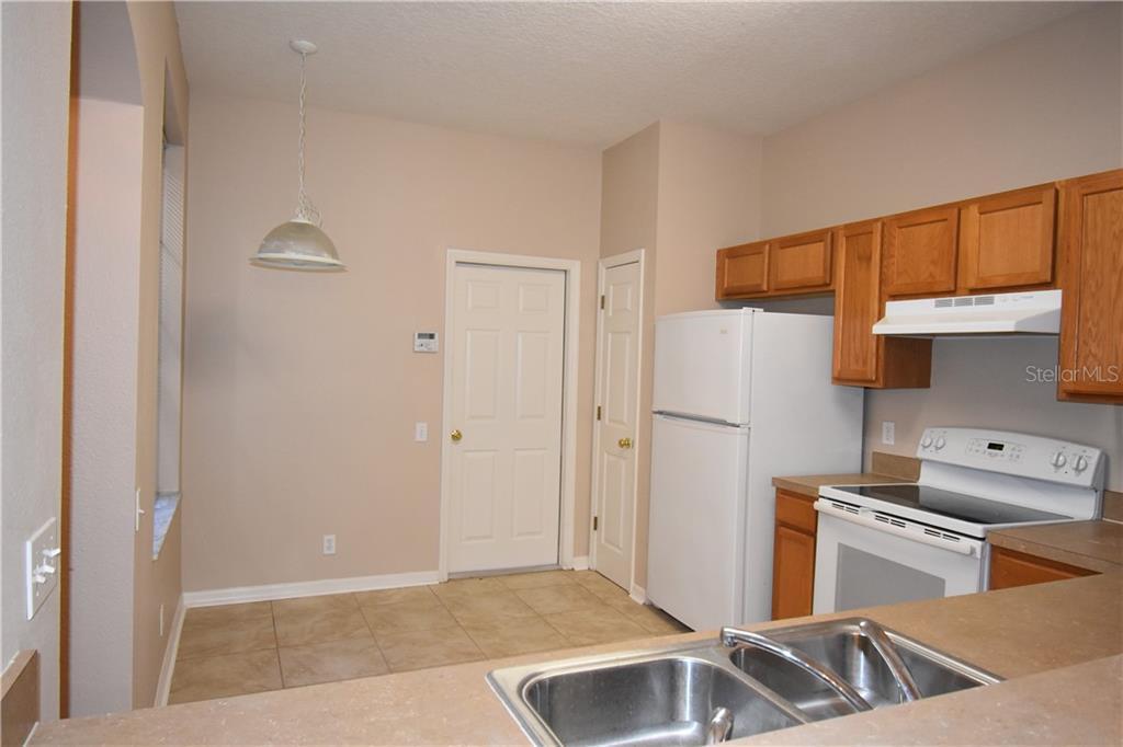 Sold Property | 4238 BISMARCK PALM DRIVE TAMPA, FL 33610 5