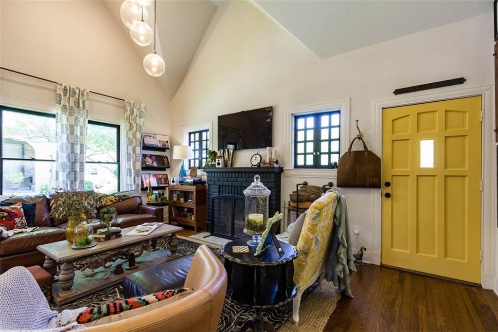 Sold Property | 834 Salmon Drive Dallas, Texas 75208 5