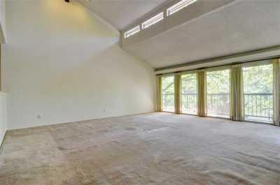 Sold Property | 2305 Wood Cliff Court Arlington, Texas 76012 3