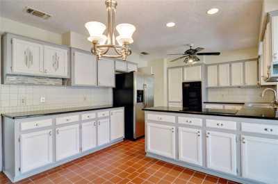 Sold Property | 2305 Wood Cliff Court Arlington, Texas 76012 6