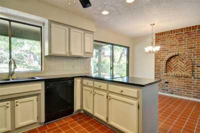 Sold Property | 2305 Wood Cliff Court Arlington, Texas 76012 8