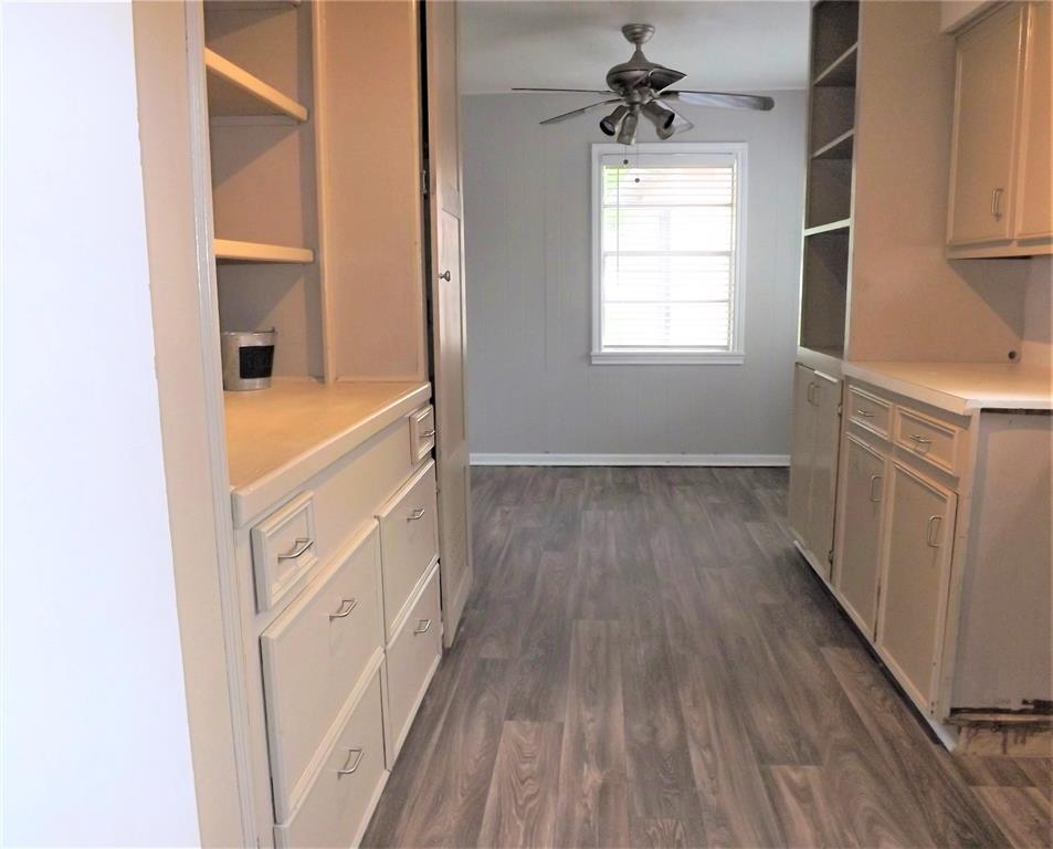 Great Home in Columbus on Cul-de-Sac!  Spacious, Huge Kitchen | 103 North Oak  Drive Columbus, TX 78934 11