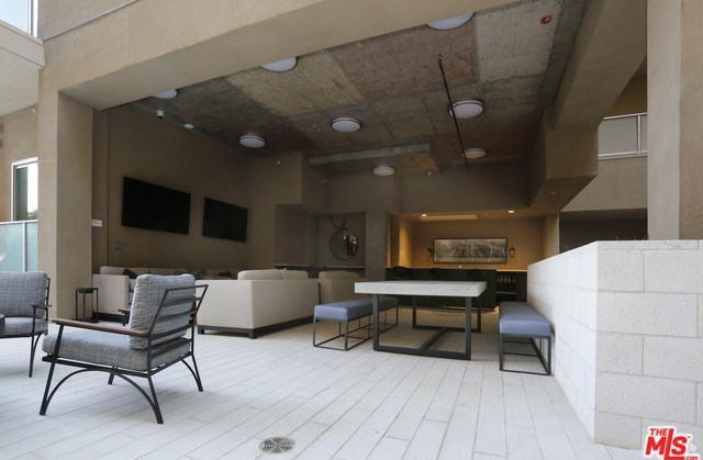 Property for Rent | 1249 S GRAND Avenue #307 Los Angeles, CA 90015 6