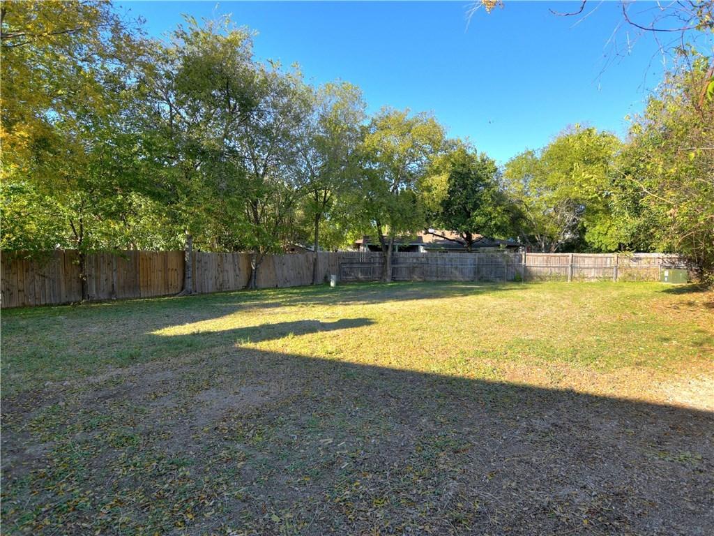 Sold Property   2008 Carriage Park Lane Austin, TX 78727 27