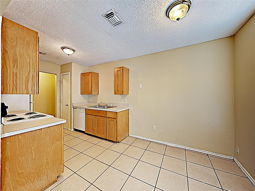Sold Property | 614 Race Street Crowley, TX 76036 4