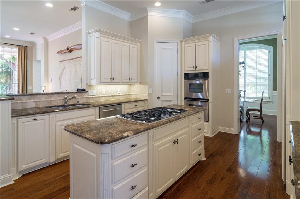 Sold Property | 3500 Lakebluff Way Plano, Texas 75093 5
