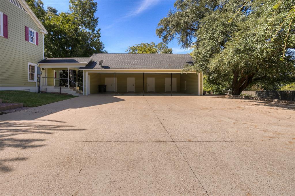 Active | 1106 Avenue O Huntsville, Texas 77340 6