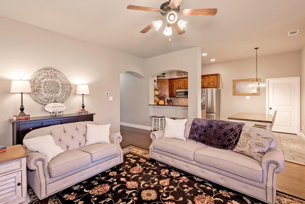 Sold Property | 403 Sunnyside Lane Red Oak, Texas 75154 4
