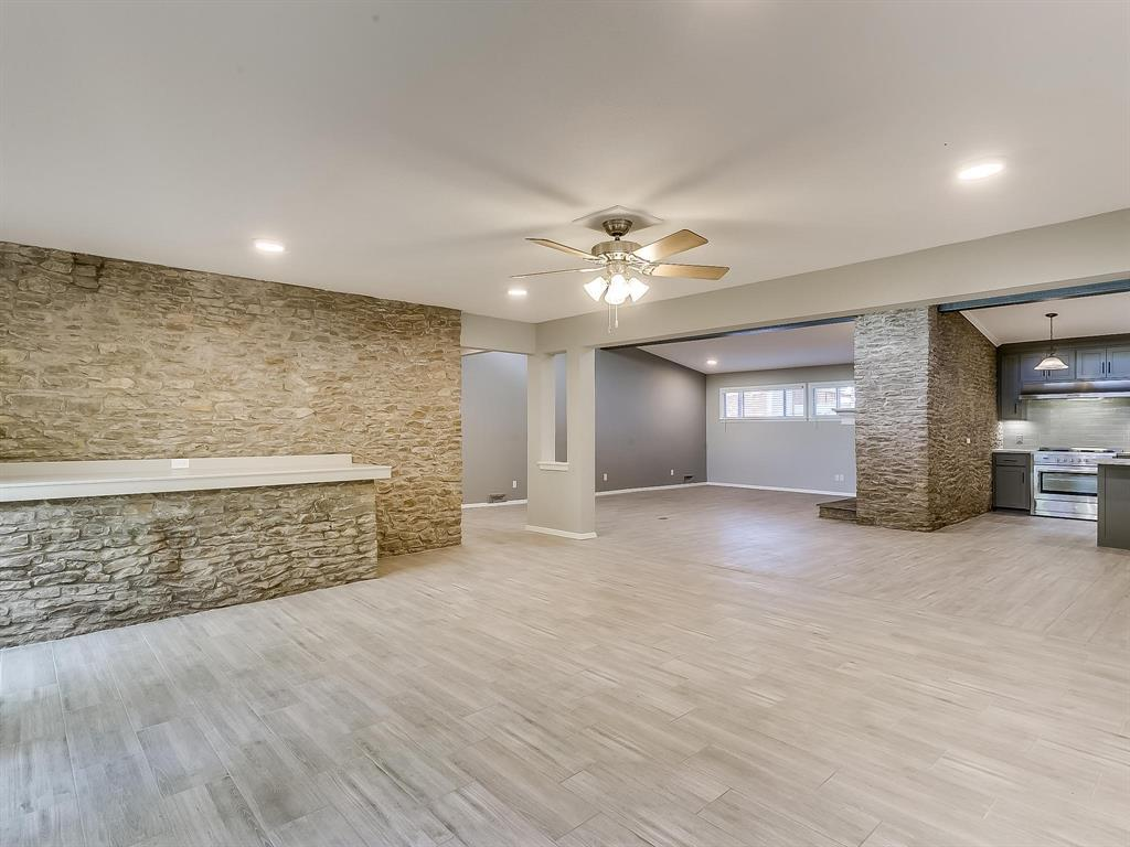 Active | 2733 Sandage Avenue Fort Worth, TX 76109 6