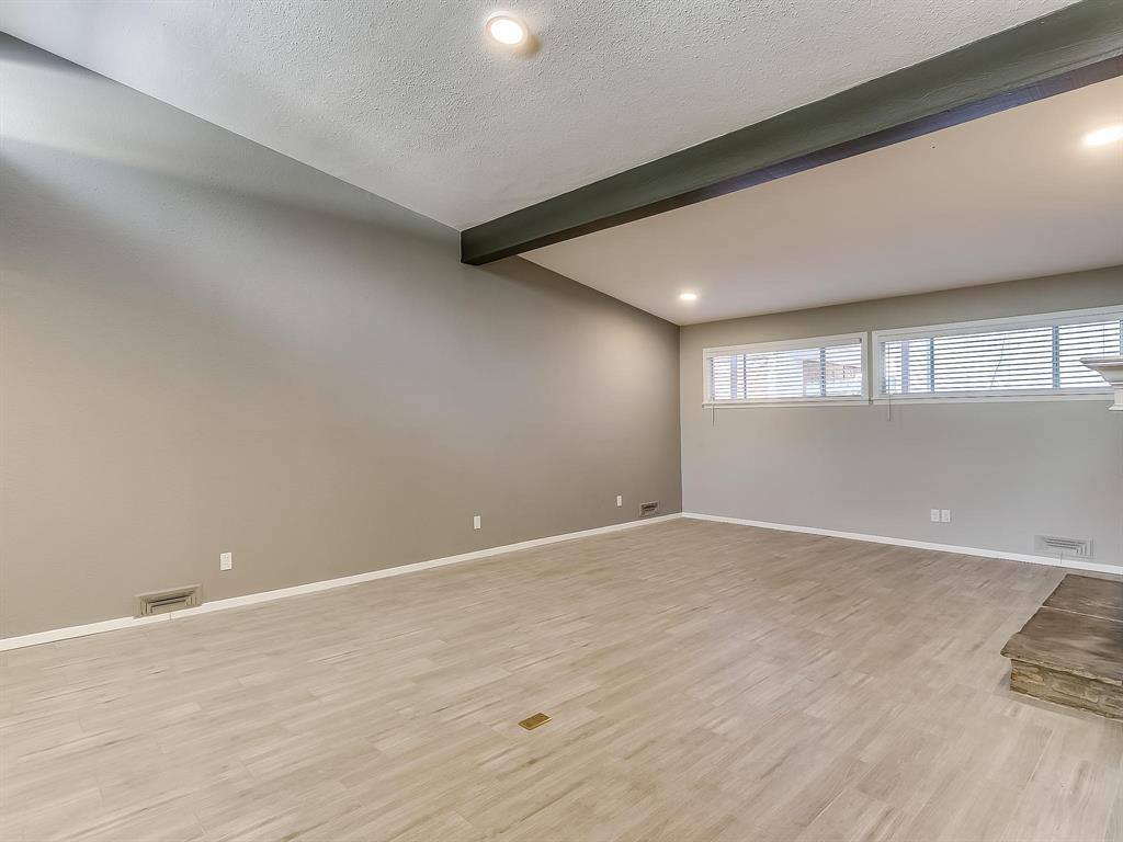 Active | 2733 Sandage Avenue Fort Worth, TX 76109 8