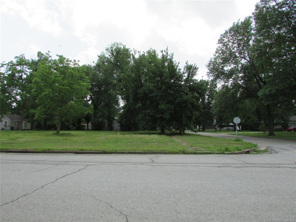 Active   427 W Delaware Avenue Vinita, OK 74301 0