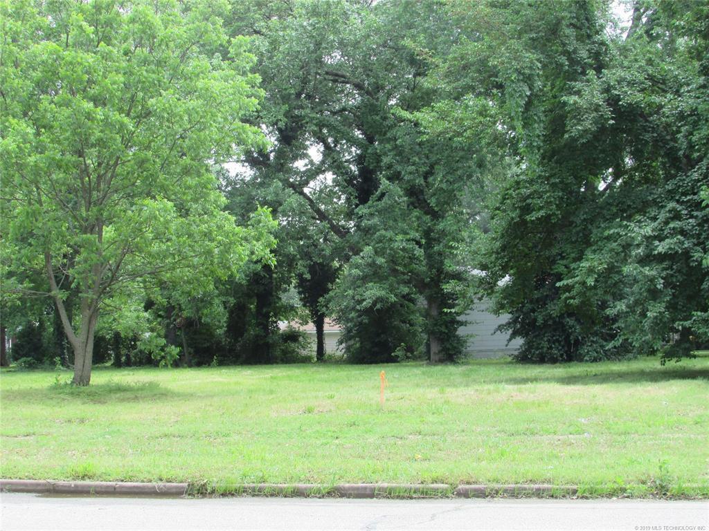 Active   427 W Delaware Avenue Vinita, OK 74301 5