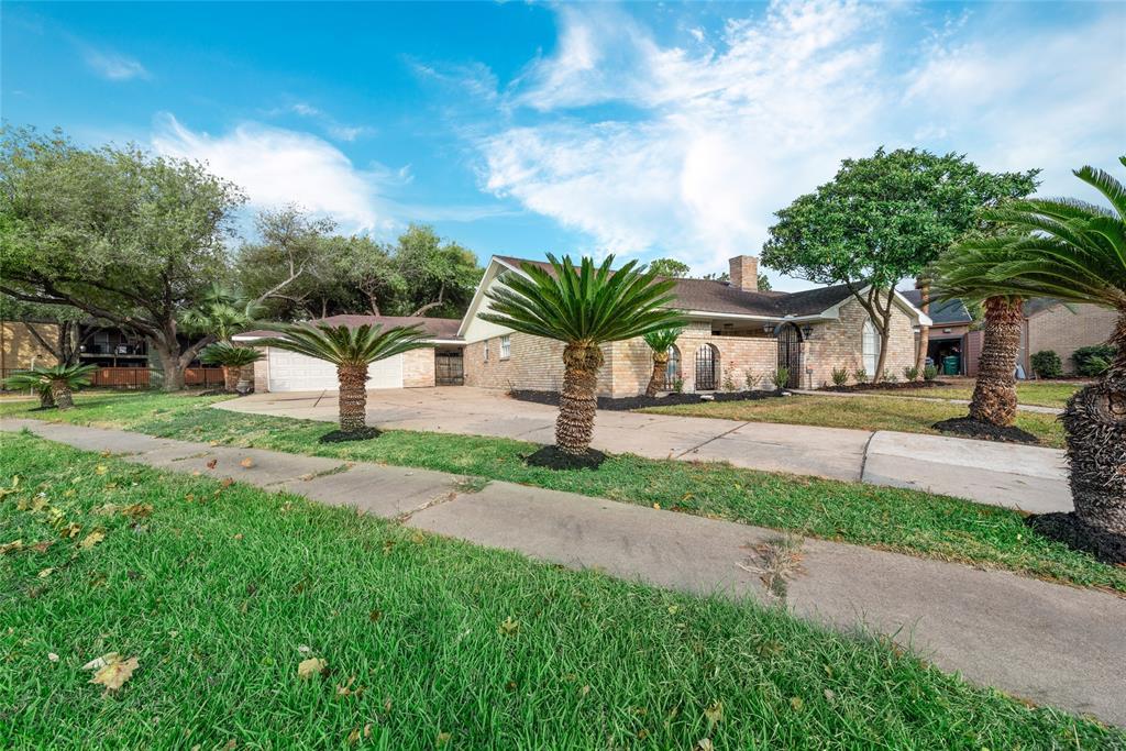 Option Pending | 10703 Braesridge Drive Houston, TX 77071 3