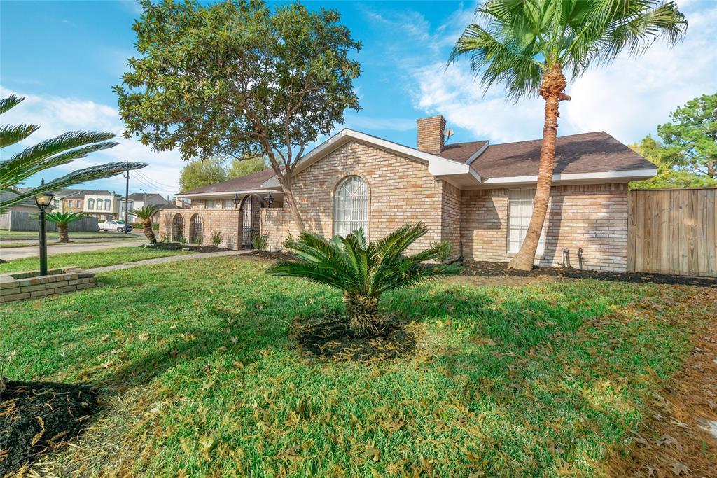 Option Pending | 10703 Braesridge Drive Houston, TX 77071 4