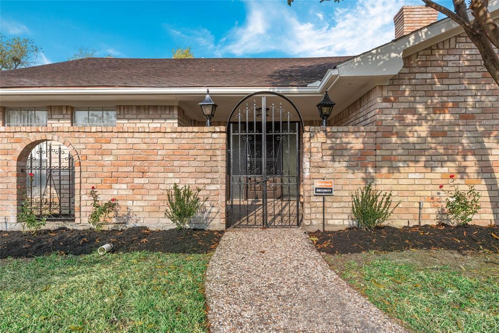 Option Pending | 10703 Braesridge Drive Houston, TX 77071 5