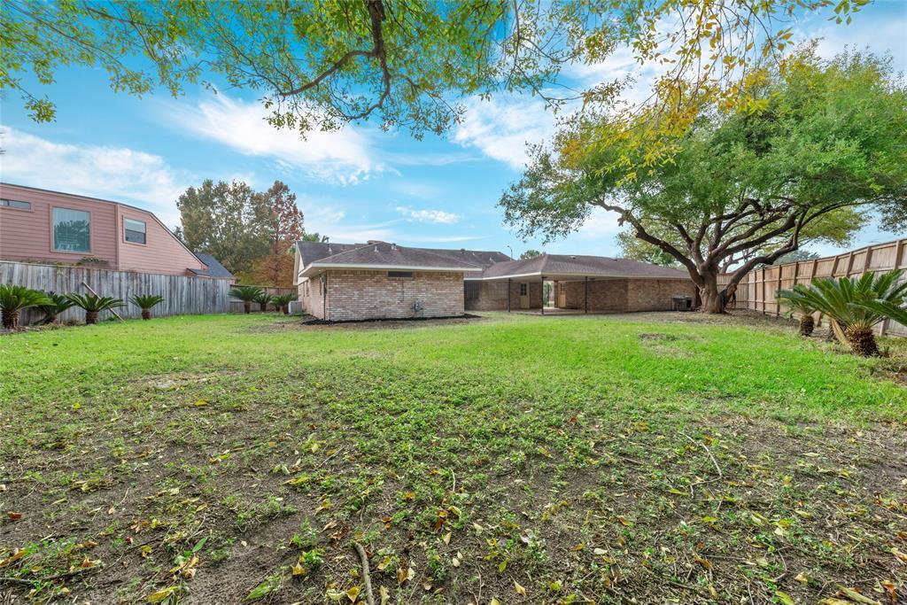 Option Pending | 10703 Braesridge Drive Houston, TX 77071 6