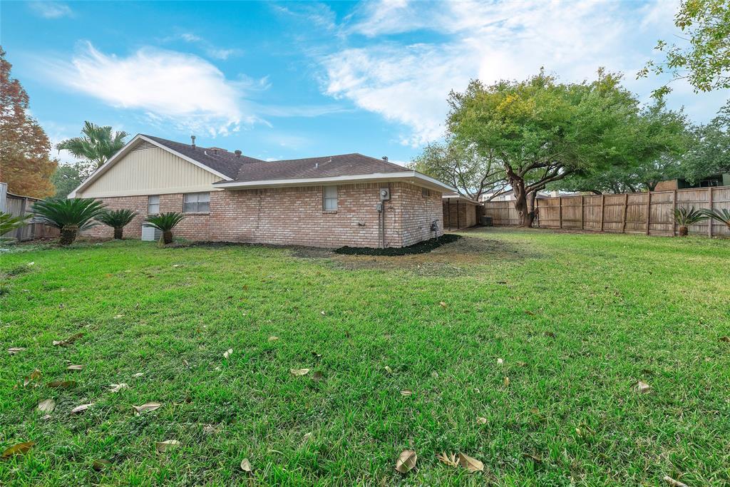 Option Pending | 10703 Braesridge Drive Houston, TX 77071 7
