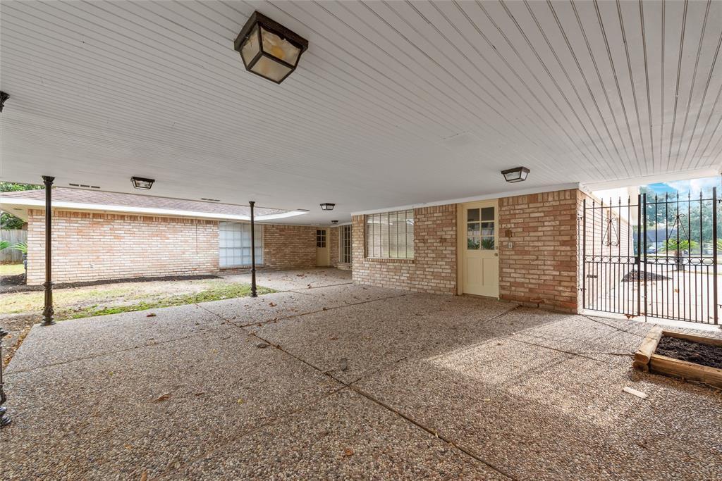 Option Pending | 10703 Braesridge Drive Houston, TX 77071 8