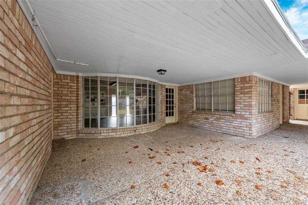 Option Pending | 10703 Braesridge Drive Houston, TX 77071 10