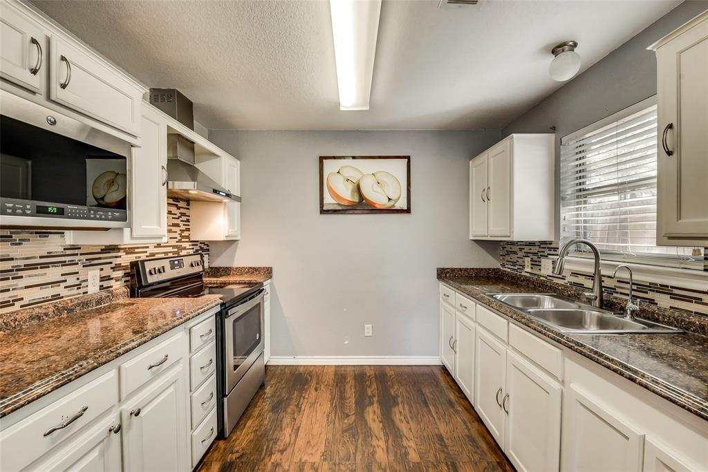Pending | 2618 Market Avenue Fort Worth, TX 76164 8