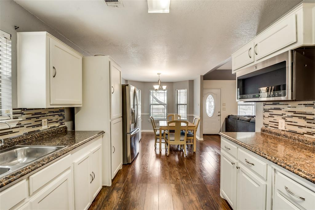 Pending | 2618 Market Avenue Fort Worth, TX 76164 5