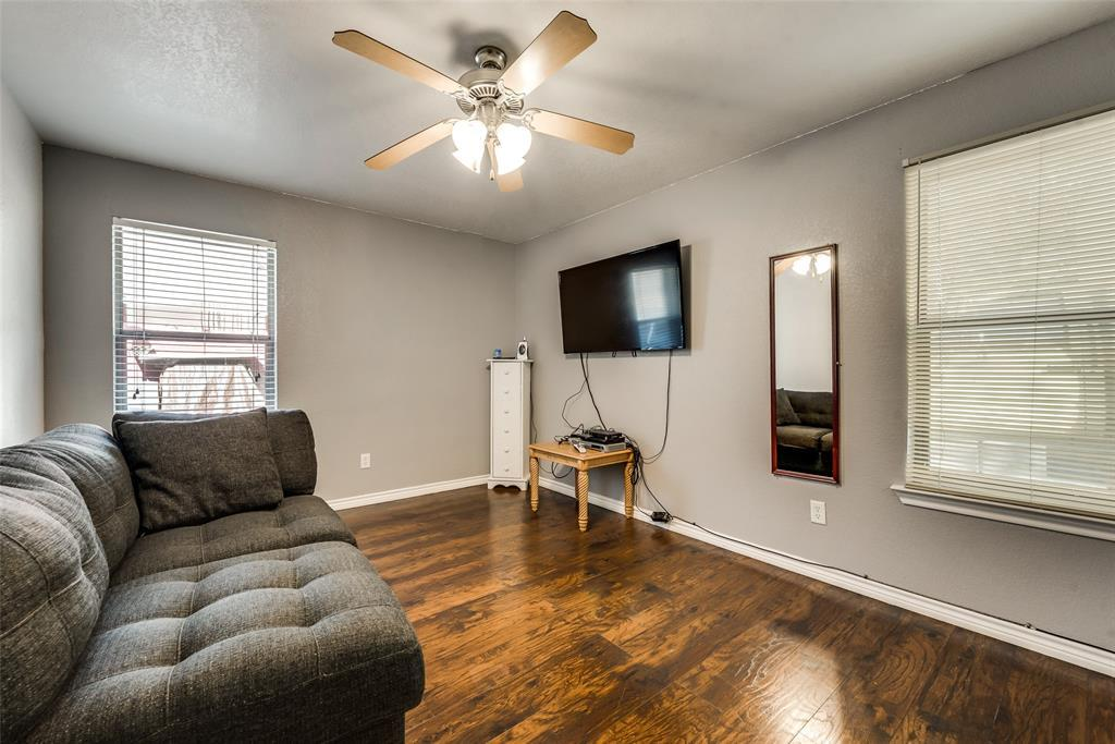 Pending | 2618 Market Avenue Fort Worth, TX 76164 17