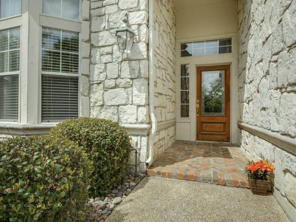 Sold Property | 1744 Glenlivet Drive Dallas, TX 75218 3