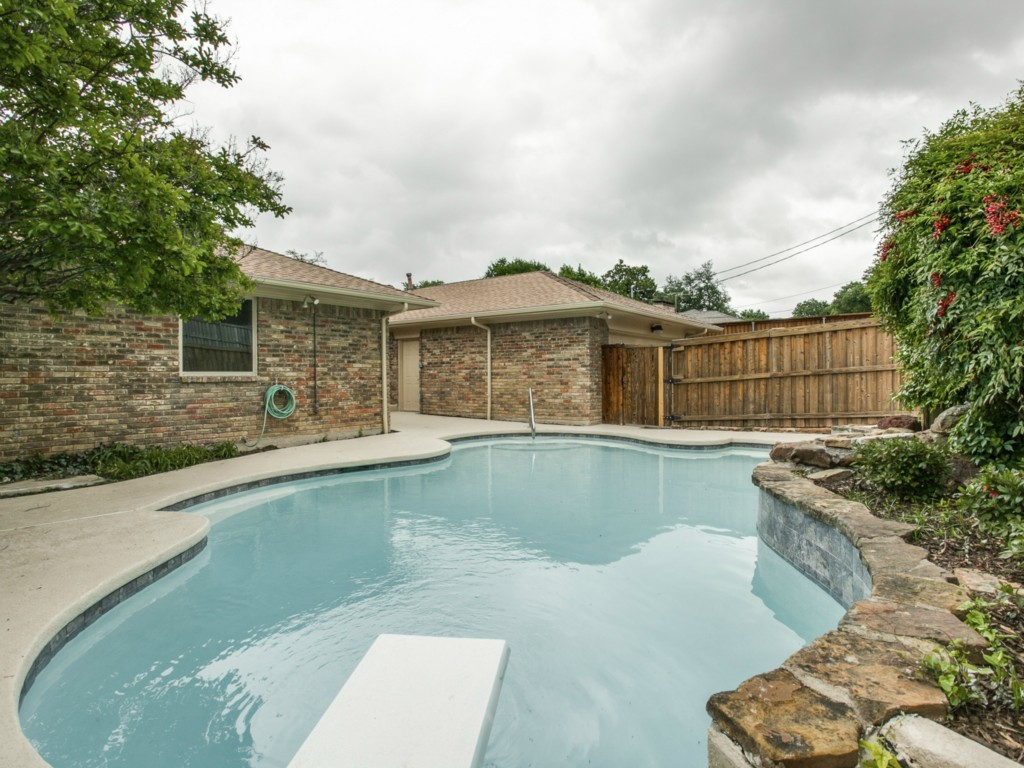 Leased | 9146 Whitehurst Drive Dallas, Texas 75243 23