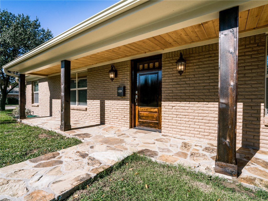 Leased | 3509 Whitehall Drive Dallas, TX 75229 2