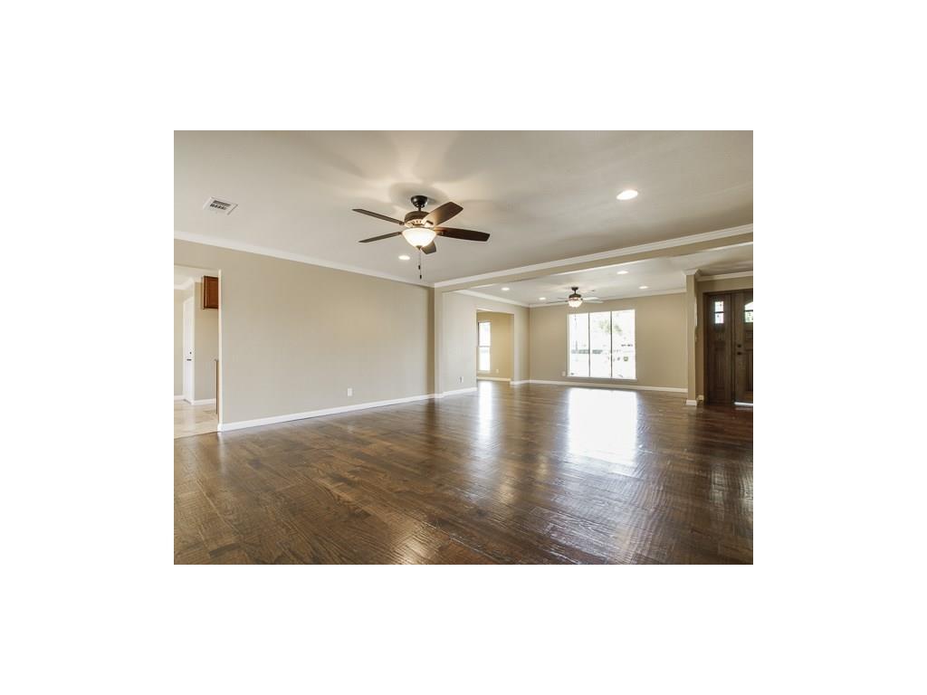 Leased | 3829 Crown Shore Drive Dallas, TX 75244 3