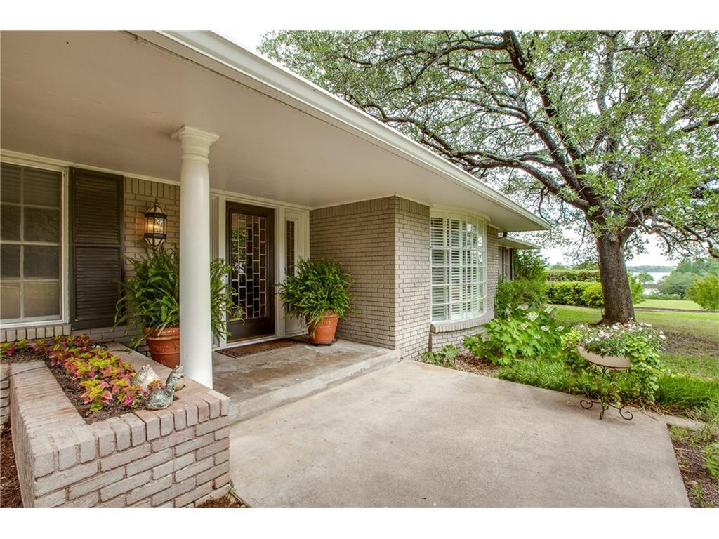 Sold Property | 3744 W Bay Circle Dallas, TX 75214 2