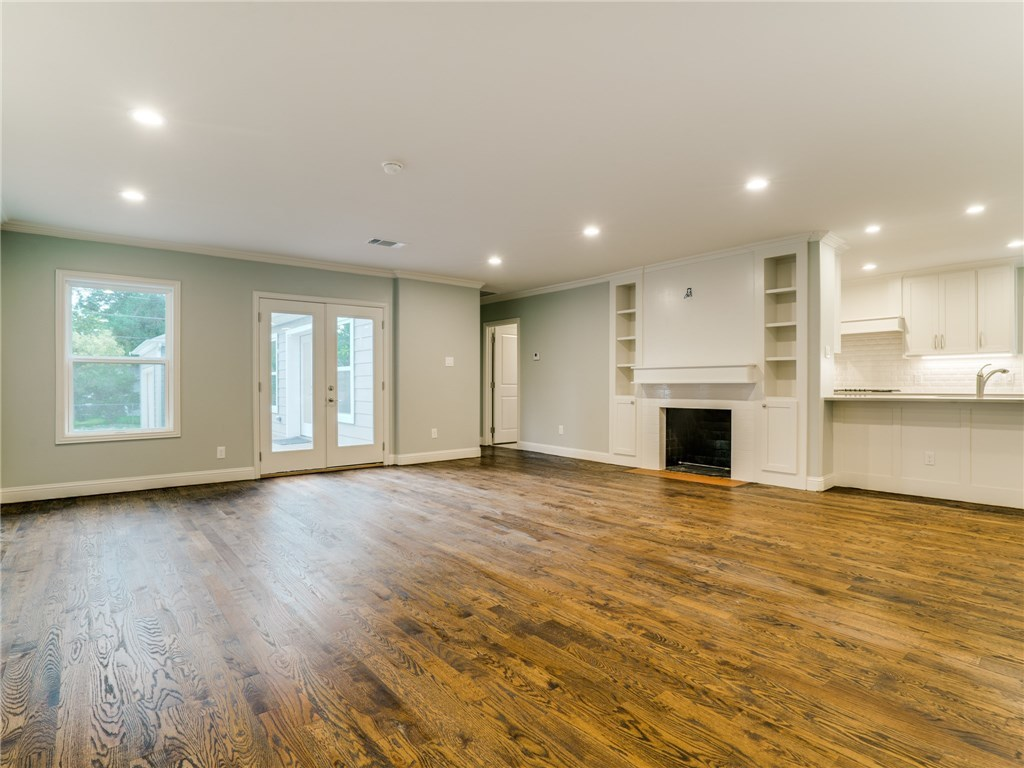 Sold Property | 8822 Forest Hills Boulevard Dallas, Texas 75218 6